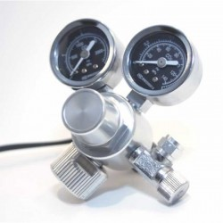 MAX aqua dual gauge CO2 regulator